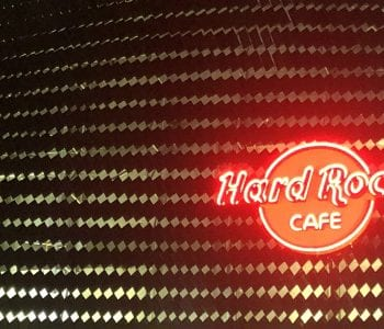 Hard Rock Cafe: dining with live music in Bangkok